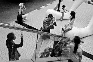Statue and Photographers, Art and Culture Centre - Bangkok, Thailand